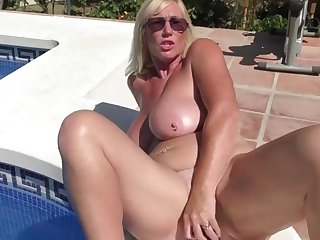 busty juicy mature mother feeding her pussy