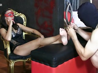 missblacksun- footfetish sofa full hd