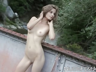 tall lass naked in the outdoors seduces you with her hips