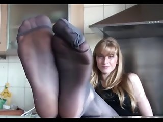 spoiled bratty mistress showing of her sexy feet